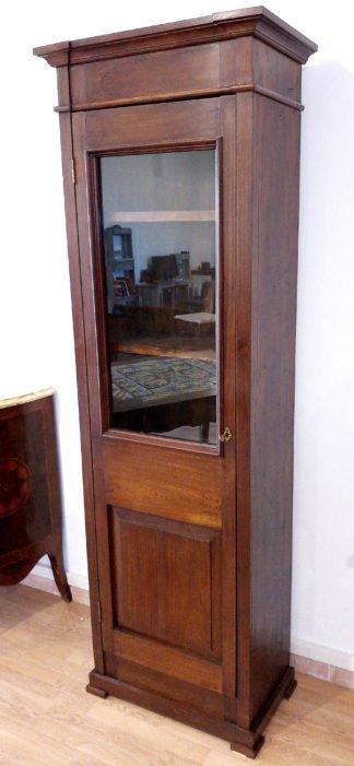 Классический книжный шкаф-витрина из итальянского красного дерева